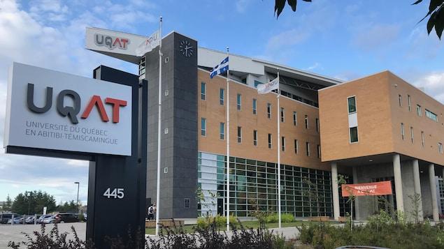 L'Université du Québec en Abitibi-Témiscamingue.