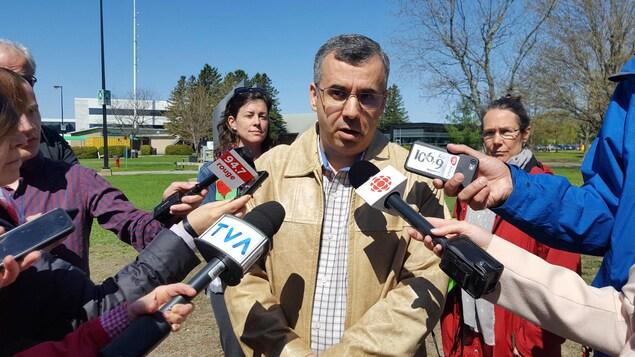 Le président du syndicat qui représente les professeurs de l'UQTR, Ismaïl Biskri, commente la décision du recteur de lever le lock-out.