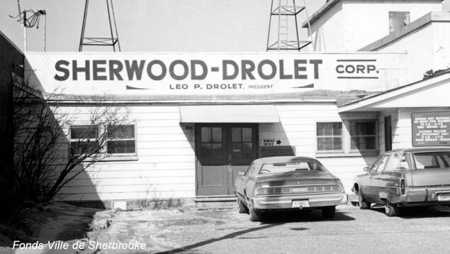 Image d'archives de l'entreprise sherbrookoise Sher-wood.