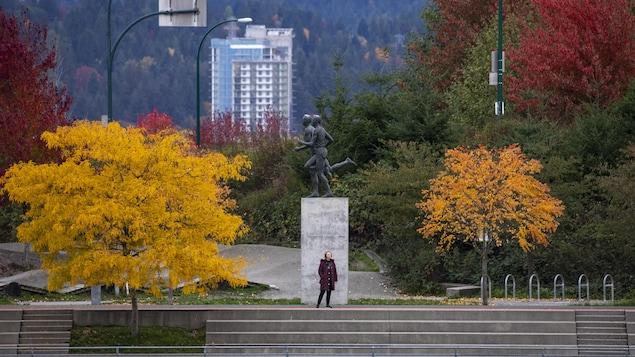 Le centre-ville de Vancouver aux couleurs automnales.