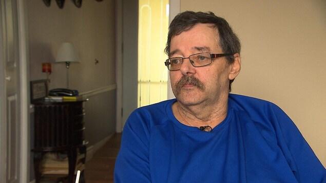 Jacques Cormier accorde une entrevue à Radio-Canada.