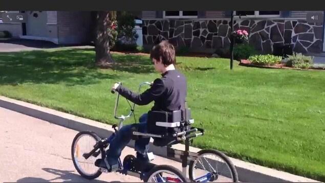 Le vélo adapté d'Anne-Sophie Provencher a été volé lundi soir à Trois-Rivières.