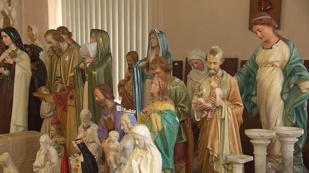 Vide-grenier des Soeurs de Sainte-Anne, les objets religieux ont facilement trouvé preneur.