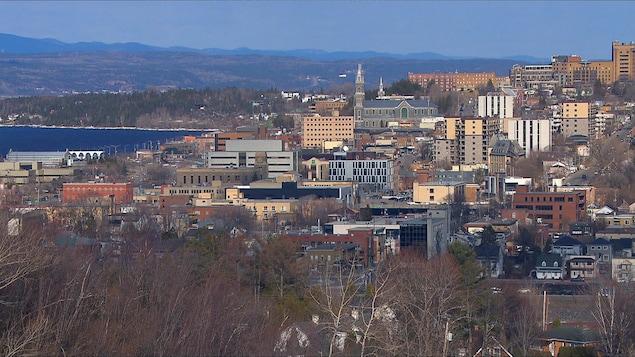 Vue aérienne du centre-ville de Chicoutimi