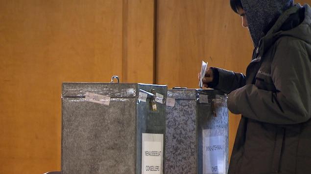 Une boite de scrutin.
