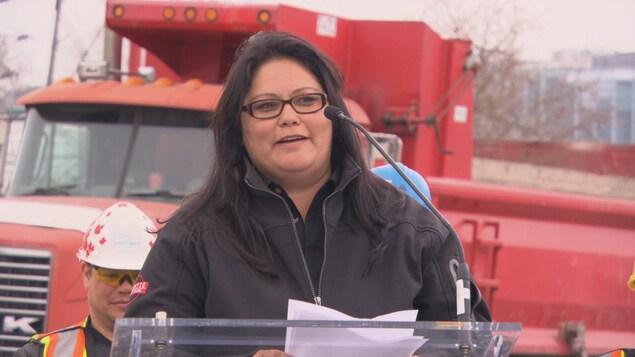 Wanda Thusky de la compagnie algonquine Decontie Construction.
