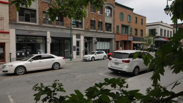 La rue Wellington Nord au centre-ville de Sherbrooke.