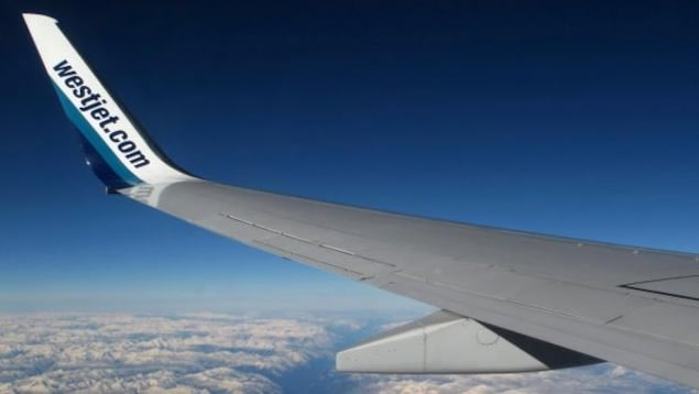Une aile d'avion de la compagnie WestJet