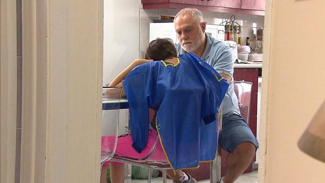 Wissam Charara et sa fille Mada, qui souffre d'une déficience intellectuelle et d'une forme d'autisme.