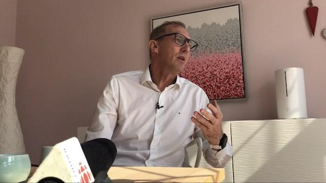 Le Dr Philippe Klein, chez lui à Wuhan, le 8 octobre 2020.