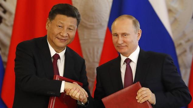 Les présidents chinois et russe, Xi Jinping et Vladimir Poutine, se sont rencontrés mardi à Moscou.
