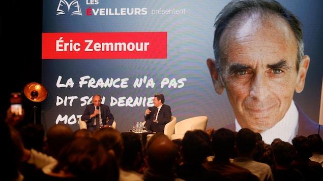 Éric Zemmour lors d'un événement à Versailles.