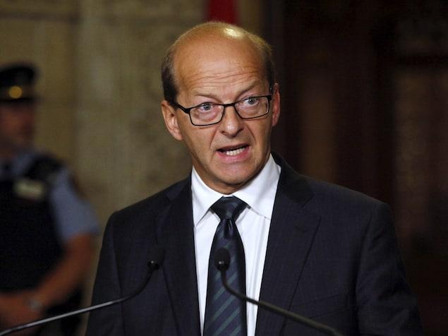 Le sénateur Carignan au parlement à Ottawa