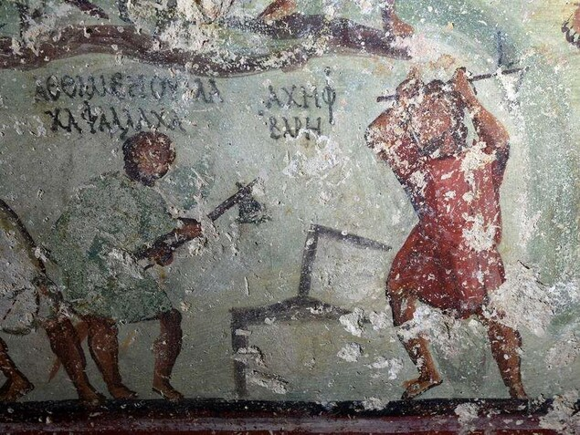 Une peinture murale racontant les aventures de centaines de personnages.