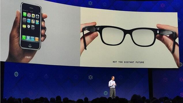 Michael Abrash à la conférence F8 de Facebook.