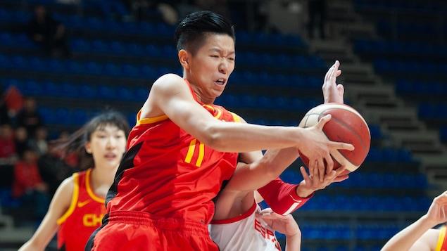 Sijing Huang de la Chine en action pendant un match.