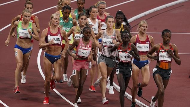 Geneviève Lalonde en finale du 3000 m steeple.