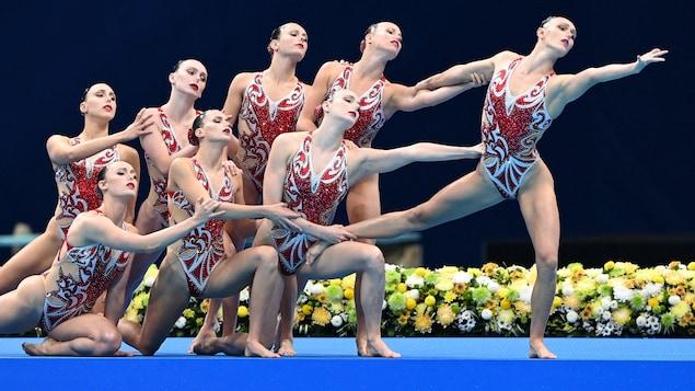 Les Canadiennes lors de leur performance.