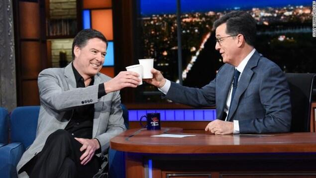 James Comey a fait le tour des émissions d'actualité, dont le Late Show de Stephen Colbert, qui a connu ses meilleures cotes d'écoute depuis le début de l'année.