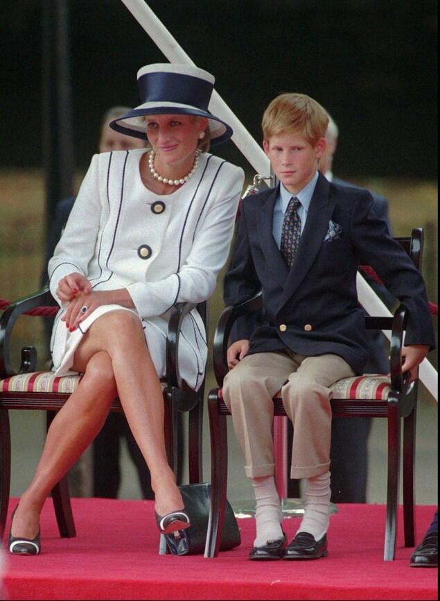 La princesse Diana et un jeune prince Harry