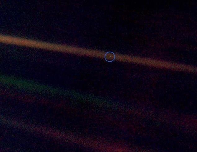 Photo de la Terre prise par la sonde Voyager 1, le 14 février en 1990