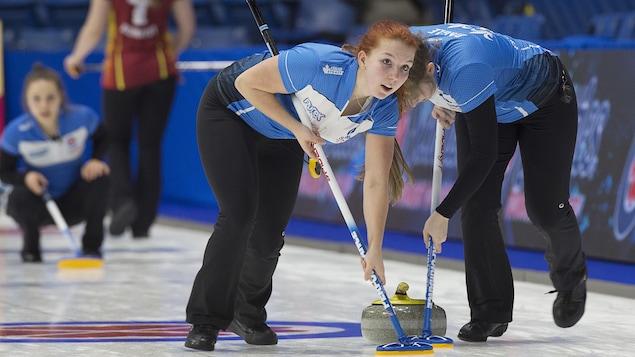 Les Québécoises Anna Munroe (à gauche) et Julie Daigle