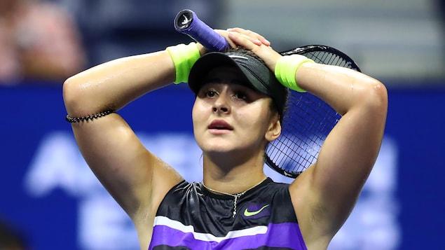 Bianca Andreescu réagit après sa victoire en demi-finales des Internationaux des États-Unis.
