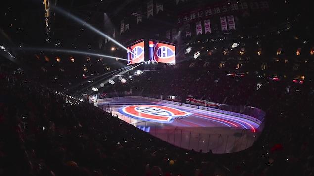 Un avant-match du Canadien au Centre Bell.