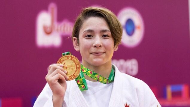 Christa Deguchi avec sa médaille d'or