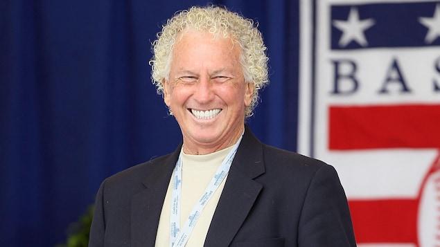 Don Sutton sourit lors d'un événement du Temple de la renommée du baseball en 2011.