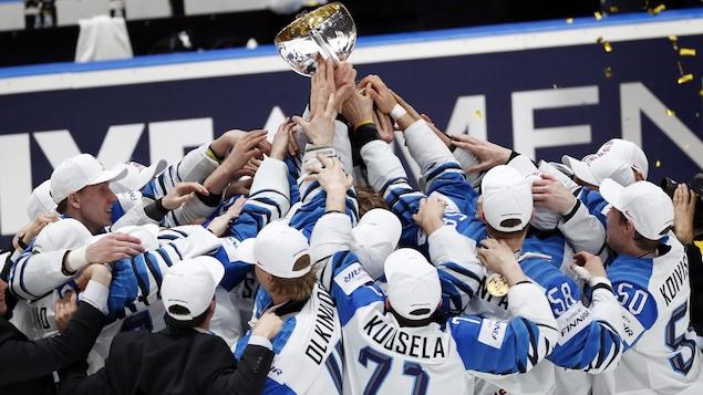 La Finlande signe un troisième triomphe en finale du Championnat du monde de hockey.