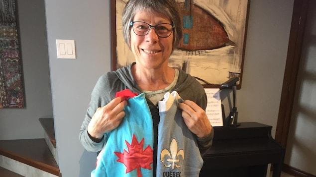 France Richer avec son maillot de championne canadienne et québécoise.