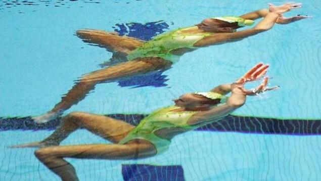 Jacinthe Taillon (bas) et Kasia Kulesza aux Jeux de l'Amitié en 1998 à New York