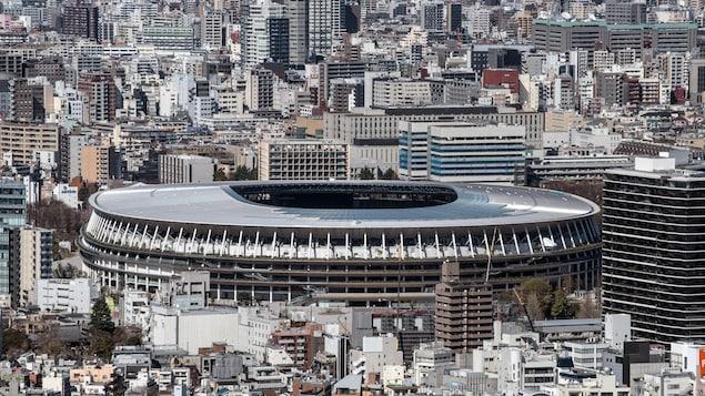 Une vue sur le nouveau stade olympique de Tokyo où les Jeux sont reportés à l'an prochain.
