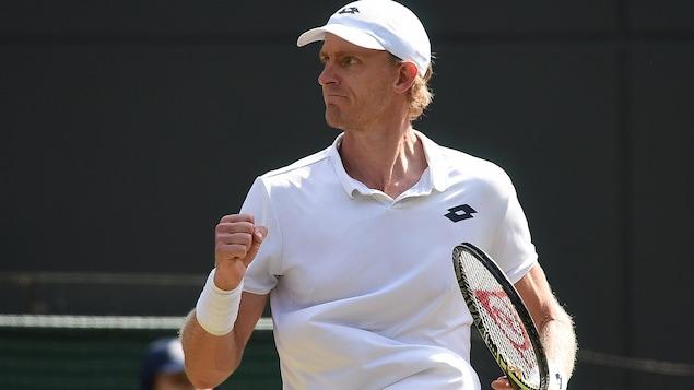 Kevin Anderson réagit à sa victoire à Wimbledon.