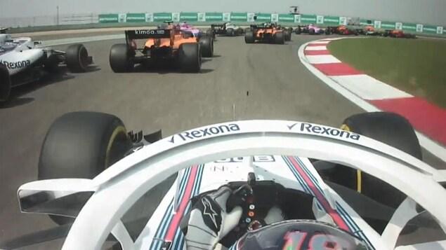 Lance Stroll pilote sa Williams lors du premier tour du Grand Prix de Chine
