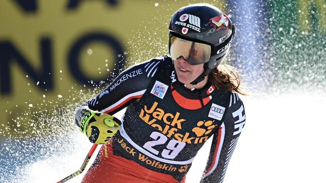 Marie-Michèle Gagnon termine sa descente.