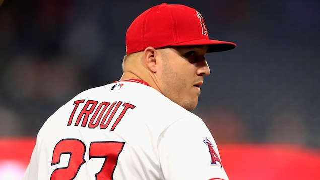 Mike Trout de dos