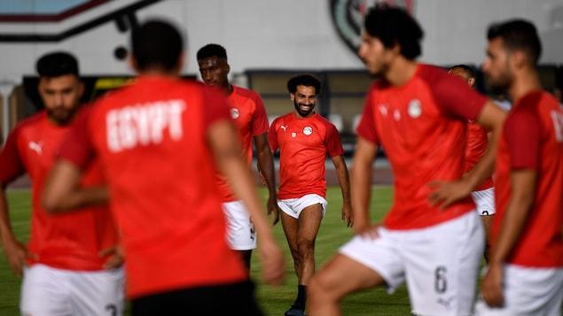 Mohamed Salah et ses coéquipiers à l'entraînement deux jours avant le match de l'Égypte contre le Zimbabwe