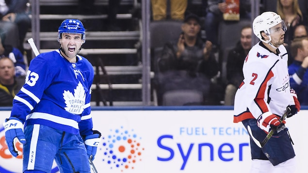 Nazem Kadri des Maple Leafs a inscrit un tour du chapeau face aux Capitals de Washington.