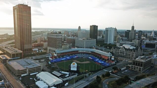 Un stade de baseball vu des airs.