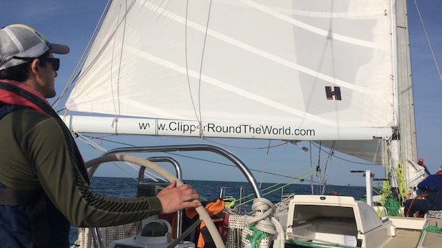 Simon DuBois à l'entraînement pour la Clipper Round The World Yacht Race