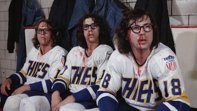 Une scène avec les frères Hanson tirée du film Slap shot, de George Roy Hill