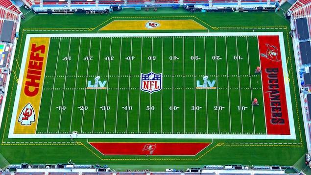 Vue aérienne du stade Raymond James de Tampa, où sera joué le 55e Super Bowl.