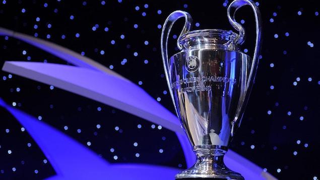 Le trophée de la Ligue des champions de l'UEFA