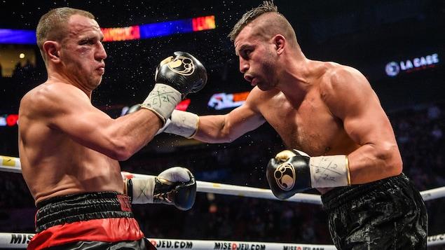 Deux boxeurs.