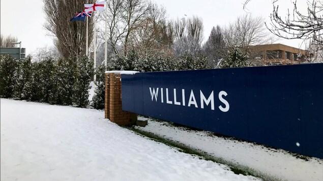 Les installations de Williams à Grove en Angleterre, sous la neige en février 2019