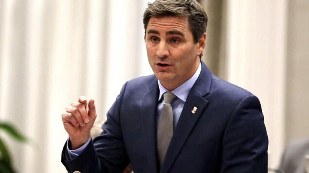 Jean-François Gosselin, chef de l'opposition à l'hôtel de ville de Québec, en séance de conseil.