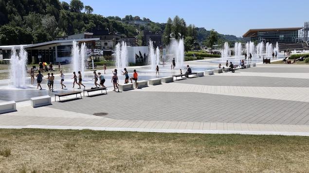 Les jeux d'eau du quai Paquet à Lévis