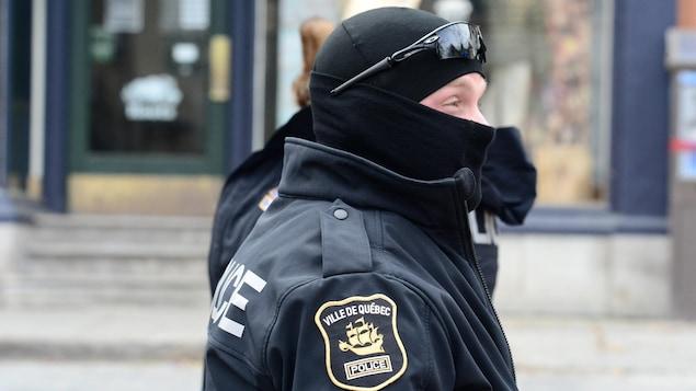 Un agent de la police de Québec
